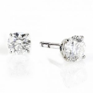 BOUCLE D OREILLE OR AT DIAMANT